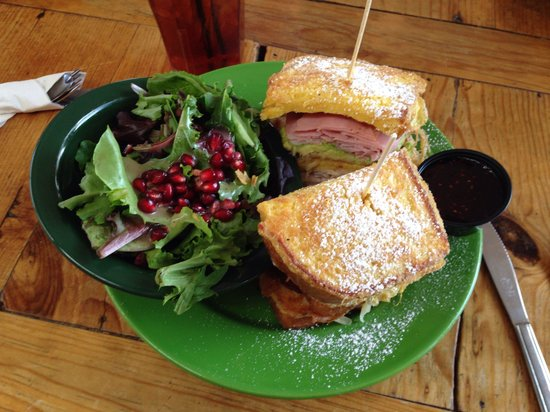 Country Road Cafe: Monte Cristo