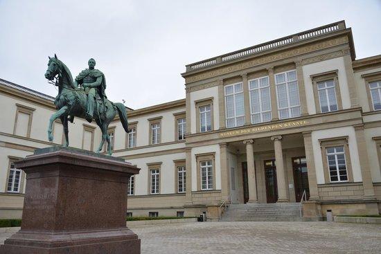Galería estatal de Stuttgart (Staatsgalerie): State Gallery of Stuttgart (Staatsgalerie)