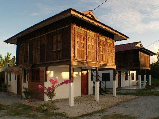 Cenang Rest House : tradional village