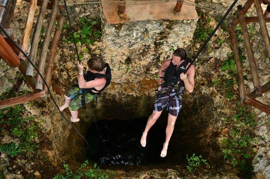 Mayan Jungle Tour: rapelling