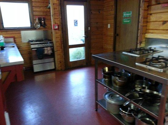 YHA Aoraki Mt Cook: kitchen