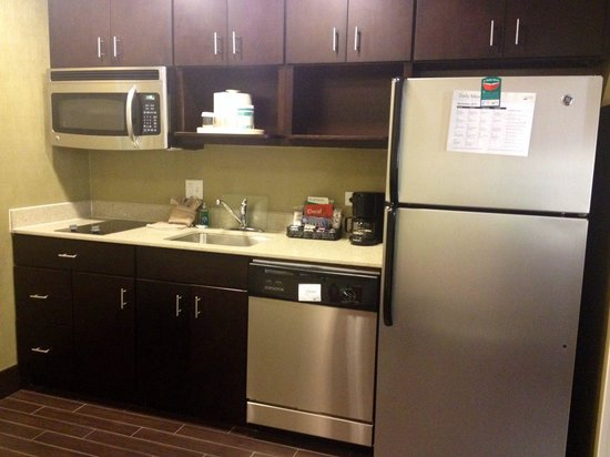 Homewood Suites by Hilton Dallas Downtown: Great kitchen!