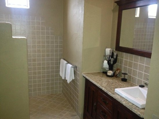 Casa La Vina: Bathroom