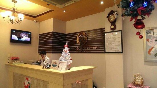 Little Saigon Corner Boutique Hotel: Cosy Lobby Area