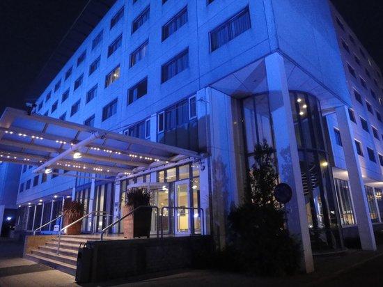 Dorint Airport Hotel Amsterdam: ホテル全景
