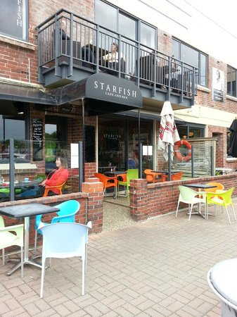 Starfish Cafe and Bar: outside