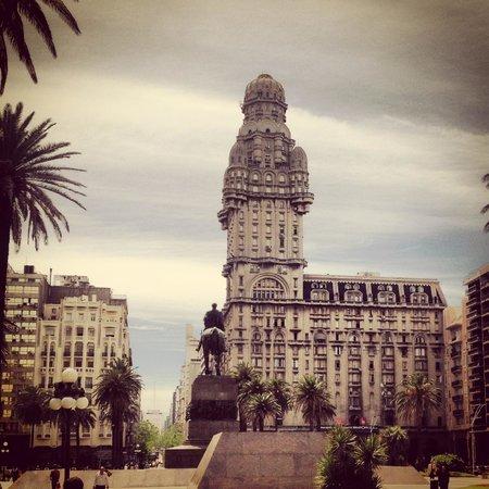 Cultura Cercana - Uruguay: Montevideo, Uraguay