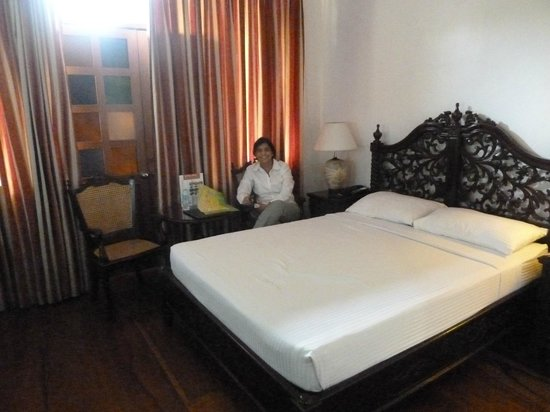 Vigan Plaza Hotel: A double room