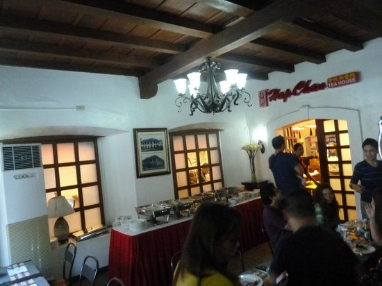 Vigan Plaza Hotel: Breakfast is served at the Hap Chan Restaurant
