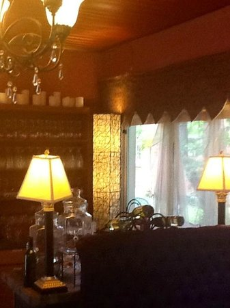 Montgomery Inn BnB: Lovely Updated Dining Room