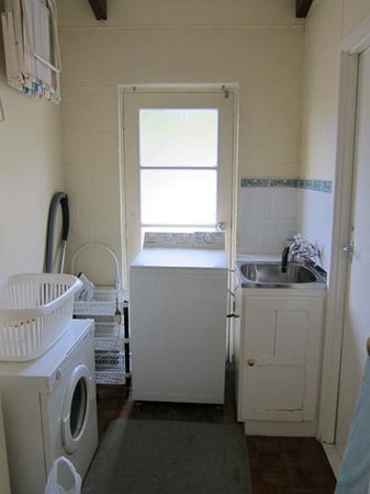 Panorama Court : Laundry room