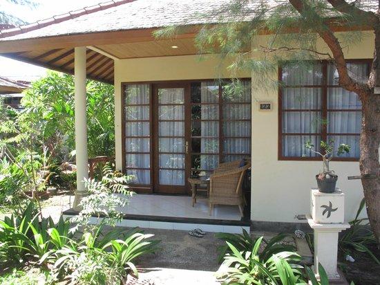 Villa Almarik Resort Lombok: Вход в домик