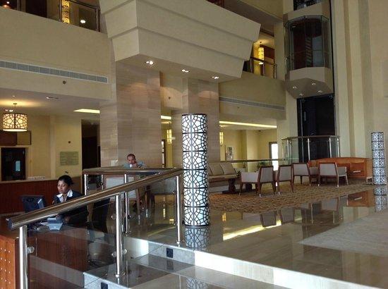 Crowne Plaza Sohar: The Reception Area