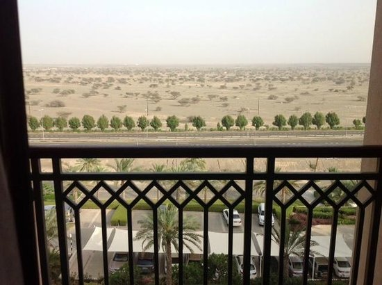 Crowne Plaza Sohar: The view from the balcony - the desert in front