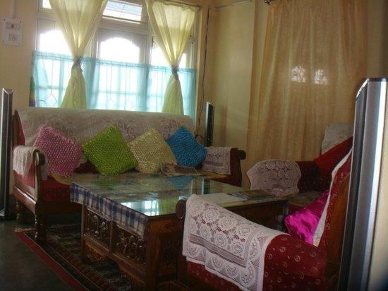 Pandim Guest House: Reception