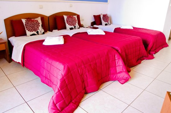 Yiannis Manos Apartments: room