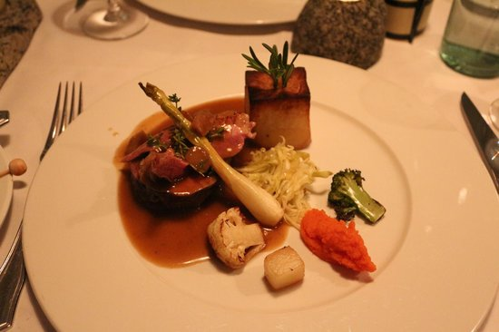 Fridrik V: Fillet of beef main course