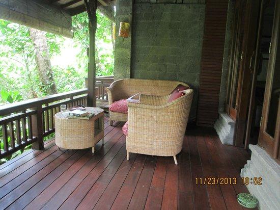 Oneworld retreats Kumara: My lovely balcony. gorgeous view