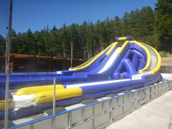 Tekapo Springs : slides