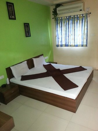 Shiv Hotel: deluxe A/C D.Bed