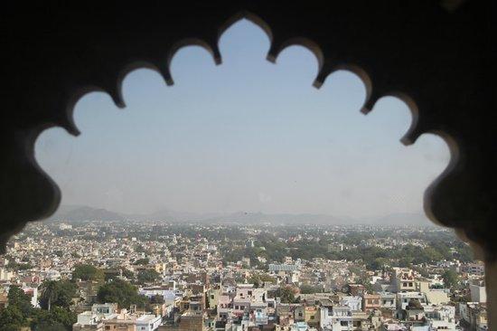 Hotel Krishna Niwas: Udaipur from City Palace