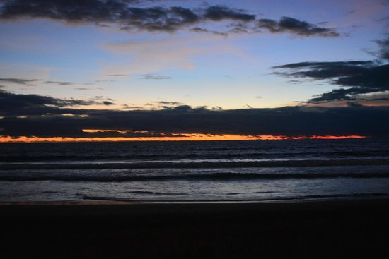 The Oberoi Bali : The beach during sunset