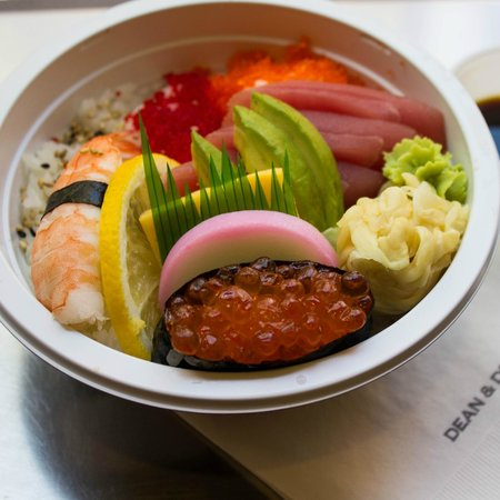 Dean Deluca : Looks so beautiful. Tastes as good as an out-of-the-fridge Sushi can taste