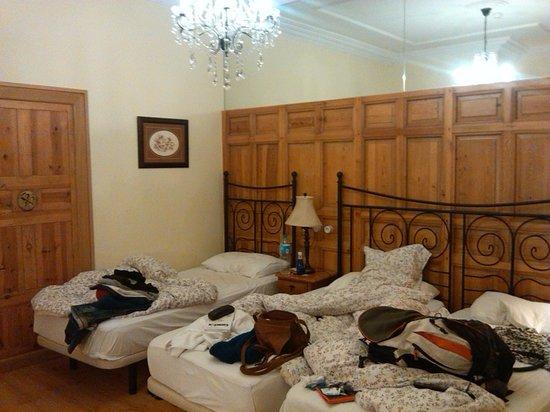 Hostal Adria Santa Ana: Habitacion triple