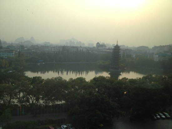 Lijiang Waterfall Hotel: Room view