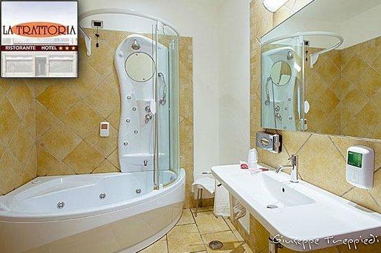 Camera con idromassaggio   foto di la trattoria hotel, frosinone ...