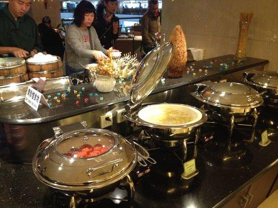 Lijiang Waterfall Hotel: Breakfast