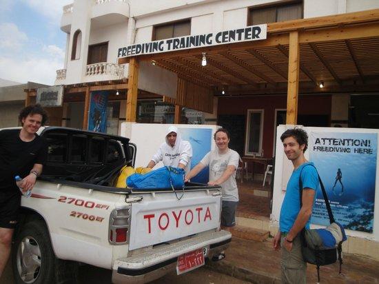 Dive buddies infront of Freedive Dahab