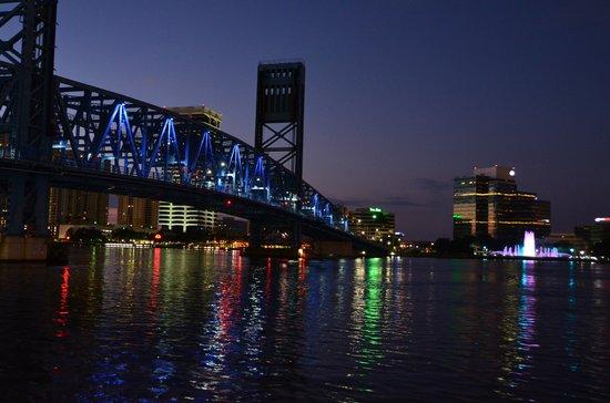Omni Jacksonville Hotel : From Jacksonville Landing.