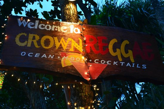 Crown Lanta Resort & Spa: Reggae Bar