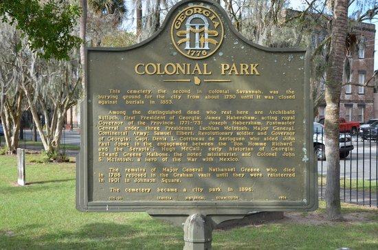 Colonial Park Cemetery: Entrance.