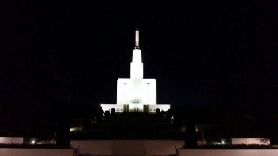 Hamilton New Zealand Temple: LDS Temple in Hamilton New Zealand. Stunning at night.