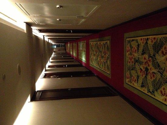 Grand Royal Panghegar: Corridor outside the room