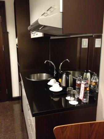 eL Royale Hotel Bandung : Kitchen Set In The Bedroom