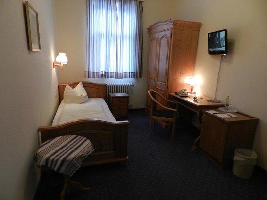 Hotel Vier Jahreszeiten : Pic 2