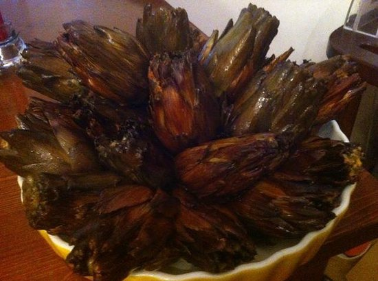 Osteria La Giara: Carciofi alla napoletana arrostiti