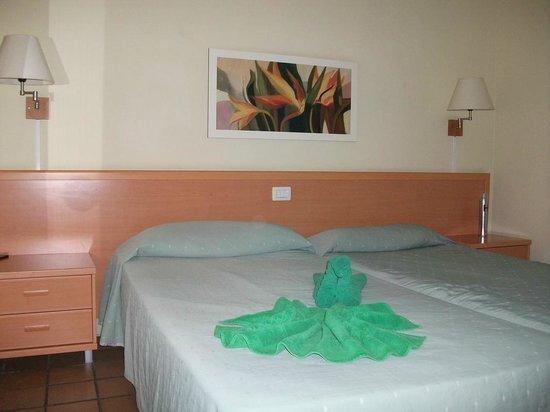 El Cardonal Apartments: Спальня