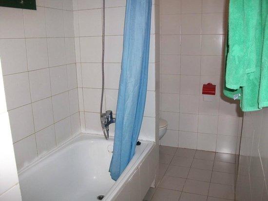 El Cardonal Apartments: Ванная