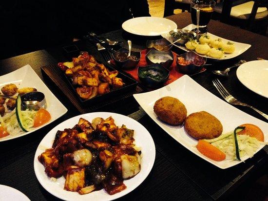 Sanskruti Restaurant : 5 different starters we ordered:)