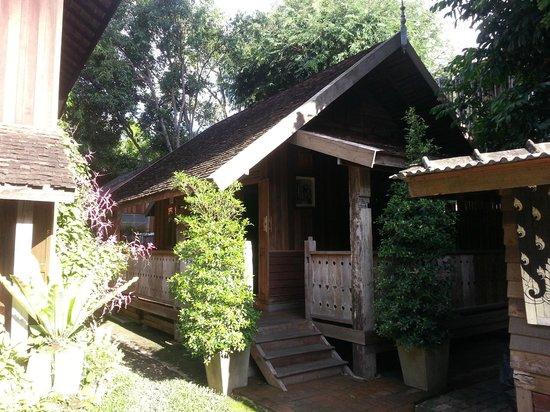Tanita House: Teak Hut