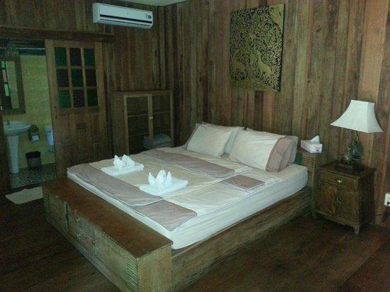 Tanita House: Inside the teak hut