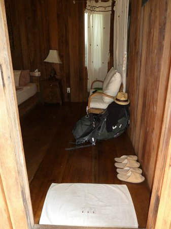 Tanita House : Inside the teak hut