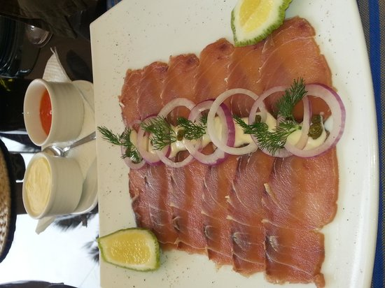 Sails Beach Bar & Restaurant: smoked fish Maliki,  it's a starter but can really be a meal