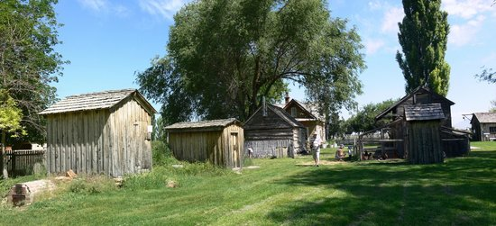 American West Heritage Center: Some of the old buildings