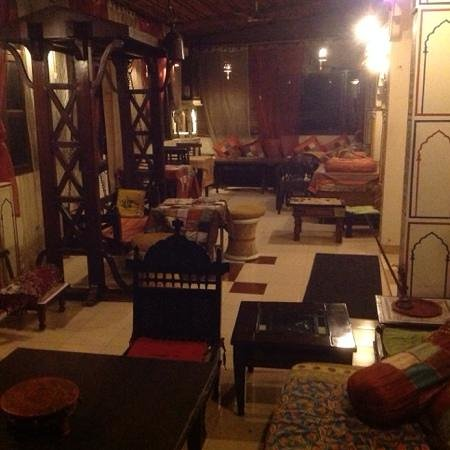 Sunder Palace Guest House: Games Room