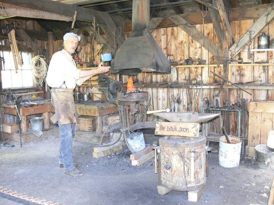 American West Heritage Center: Grandpappy using the forge